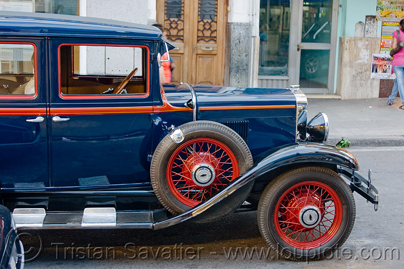 1930 chevrolet AD universal - classic car, ad universal, antique, automobile, chevrolet, classic car, front, historical, jujuy capital, noroeste argentino, san salvador de jujuy, wheels