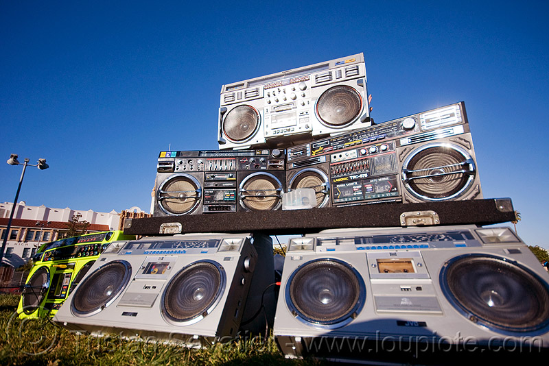 A boombox affaire, boomboxes, ghettoblasters, radio, stereo