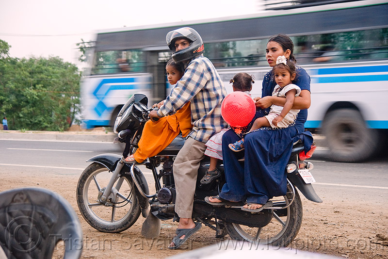 A family of five on a motorbike (india), children, couple, kids, man, motorbike touring, motorcycle, motorcycle touring, people, rider, riding, road, underbone, underbone motorcycle, woman