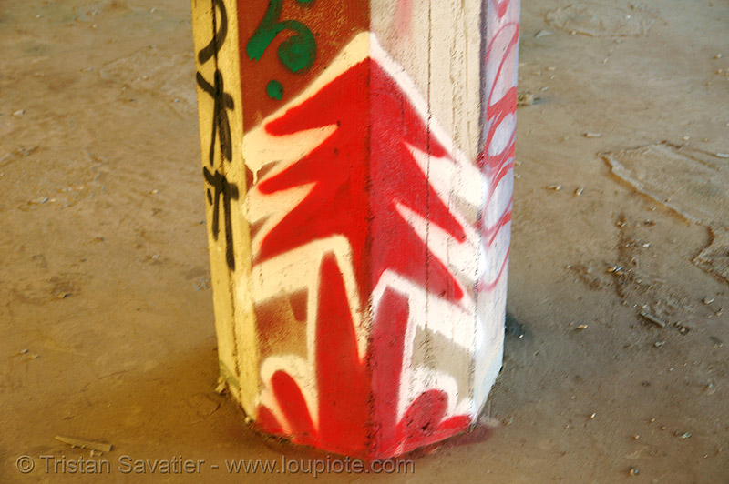 abandoned factory (san francisco), abandoned factory, column, derelict, graffiti, industrial, pillar, plant trees, plantrees, red, street art, tags, tie's warehouse, trespassing