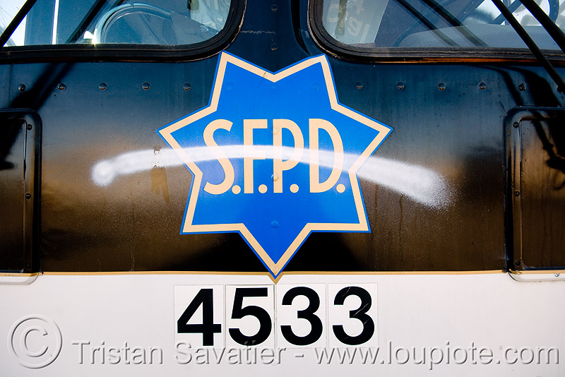 abandoned SFPD police bus with graffiti (san francisco), 4533, autobus, graffiti, junkyard, law enforcement, no trespassing, san francisco police department, sfpd bus