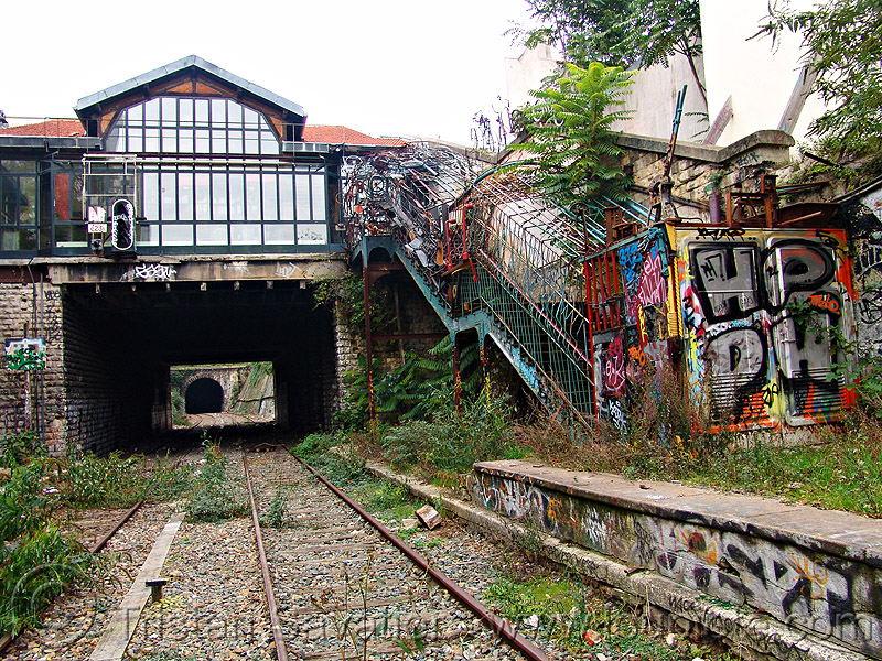 abandoned train station - petite ceinture - abandoned railway (paris, france), fleche d'or, flèche d'or, graffiti, la fleche d'or, la flèche d'or, railroad, railroad tracks, rails, railway tracks, trespassing, urban exploration