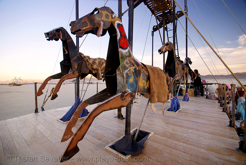 acavallo - burning man 2007, acavallo, art car, burning man, horses, mutant vehicles