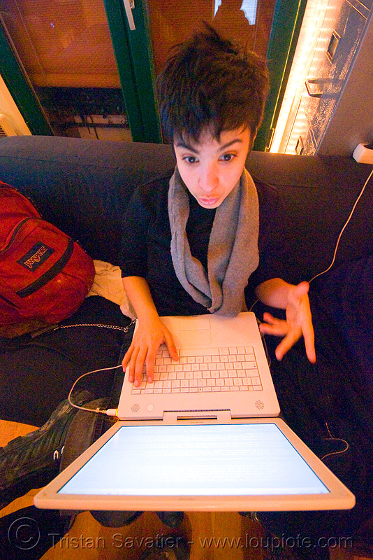 alyssa working with her apple iBook, alyssa, androgynous, apple ibook, laptop, mac, macintosh, screen, woman, working