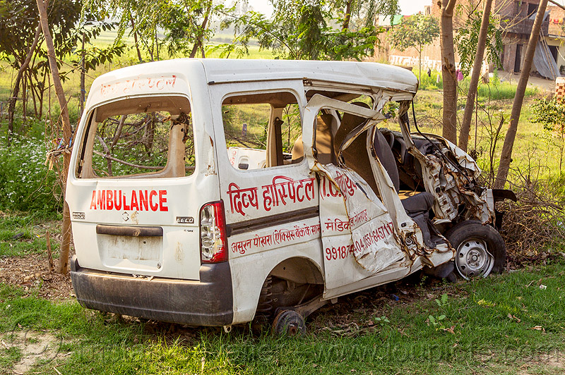 ambulance crash - accident (india), ambulance, car accident, car crash, collision, mini-van, road crash, traffic accident, traffic crash, wreck