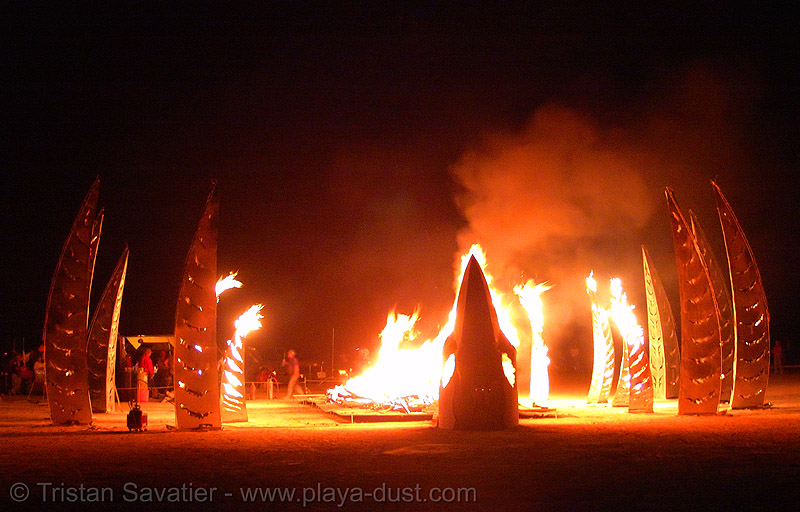 angel of the apocalypse by flaming lotus girls - burning-man 2005, angel of the apocalypse, art, burning man, fire, flames, flaming lotus girls, night