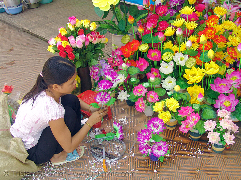 artificial flowers - child labour - vietnam, artificial flowers, child labour, fake flowers, hué
