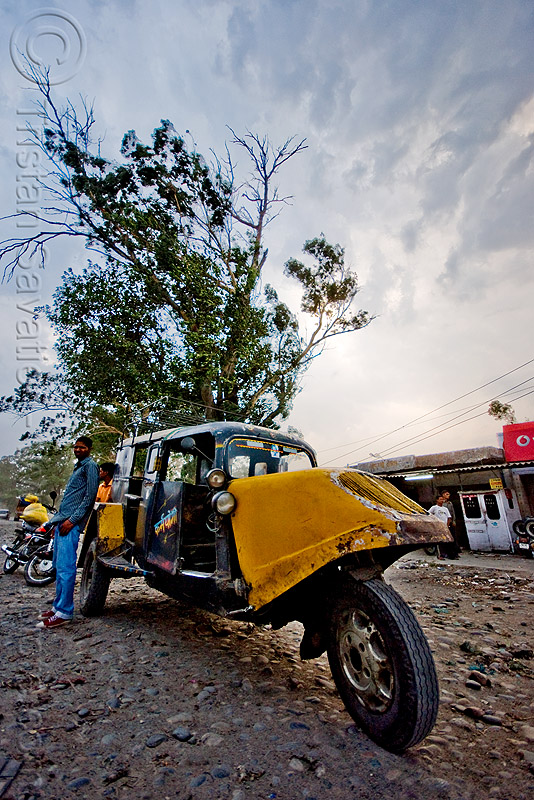 auto rickshaw taxi - bajaj tempo hanseat (india), autorick, public transportation, rick, road, three wheeler, tricycle, trishaw, wallah
