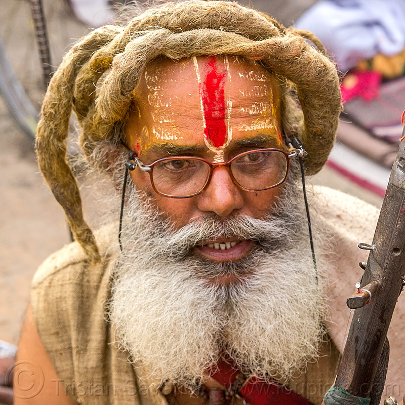 baba with white split beard, dreadlocks and red tilaka (nepal), baba, dreadlocks, hindu, hinduism, kathmandu, maha shivaratri, man, pashupatinath, ramanandi tilak, sadhu, white beard