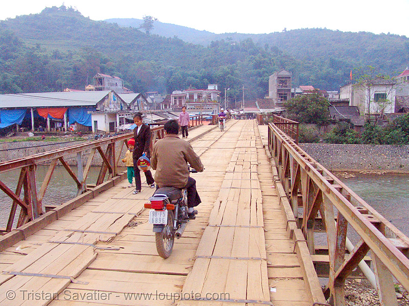 Bảo Lạc bridge - vietnam, bảo lạc, hill tribes, indigenous, motorbike, motorcycle, people, rider, riding, river, road, single-lane bridge