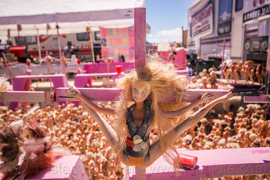 barbie doll leg spread crucifixion - barbie death camp - burning man 2015, barbie death camp, barbie dolls, blasphemous, burning man, cross, crucified, crucifixion, leg splits, many