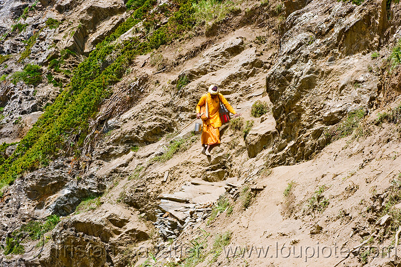 bare-feet sadhu (hindu holy man) on trail - amarnath yatra (pilgrimage) - kashmir, amarnath yatra, baba, bare feet, barefoot, hindu holy man, hinduism, kashmir, mountain trail, mountains, pilgrimage, pilgrims, sadhu, trekking, yatri, अमरनाथ गुफा