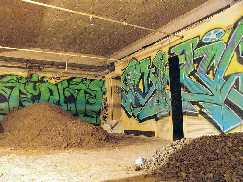 basement - graffiti - abandoned hospital (presidio, san francisco) - phsh, abandoned building, decay, presidio hospital, presidio landmark apartments, trespassing