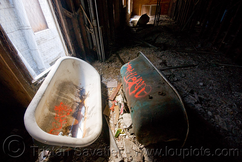 bath tubs in abandoned building, abandoned, bath tubs, defenestration building, urban exploration