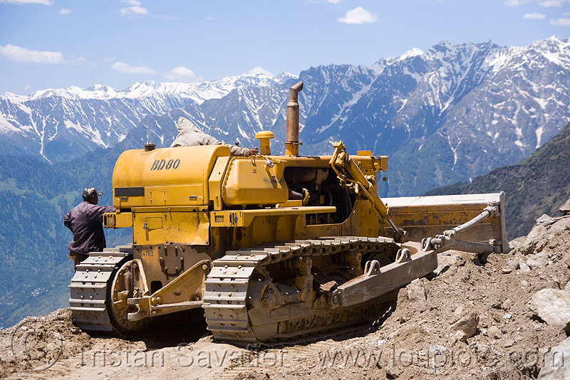 BEML BD80 bulldozer - manali to leh road (india), bd80, beml, bulldozer, dozer, groundwork, heavy equipment, hydraulic, machinery, road construction, roadworks, rohtang pass, rohtangla, rubble