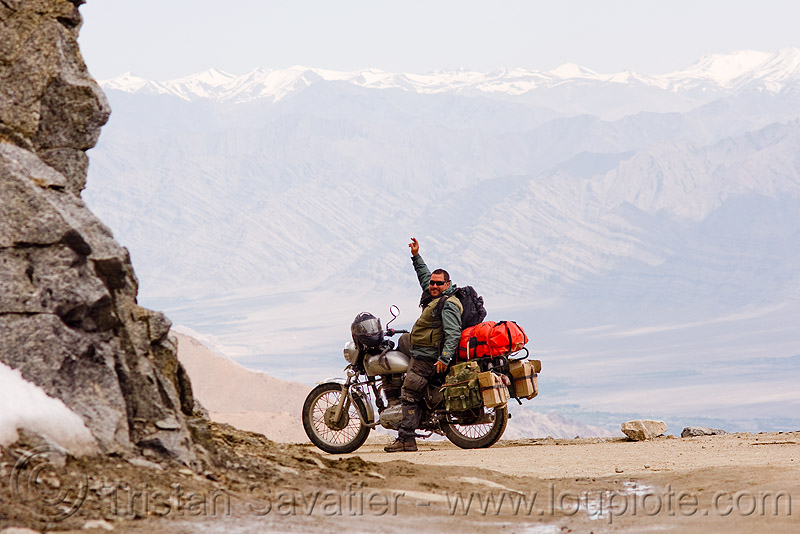 ben on his motorcycle - khardungla pass - ladakh (india), 350cc, ben, india, khardung la pass, ladakh, man, motorcycle touring, mountain pass, mountains, road, royal enfield bullet