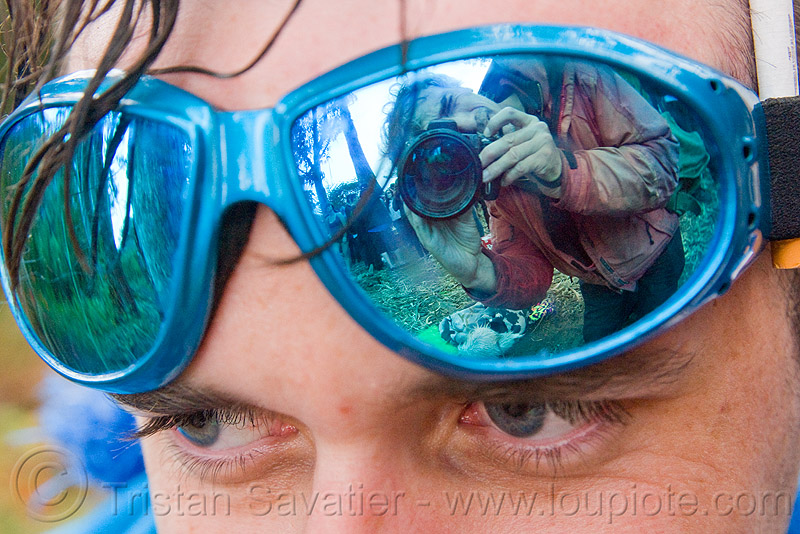 blue mirror goggles, apollo solare, eyes, man, party, people, raver, self portrait, tristan savatier