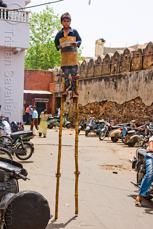 boy begging on stilts - jaipur (india), beggar, people, stiltwalker, stiltwalking, street