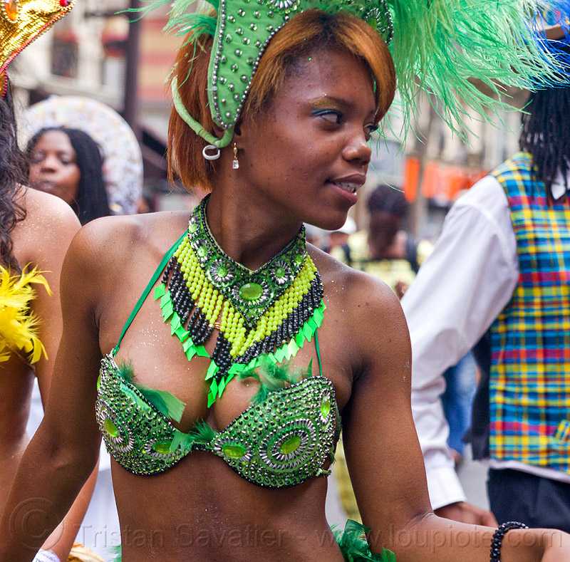 brazilian carnaval costume, brazilian, carnaval tropical, costume, dancer, dancing, feathers, festival, green, headdress, necklace, parade, paris, woman