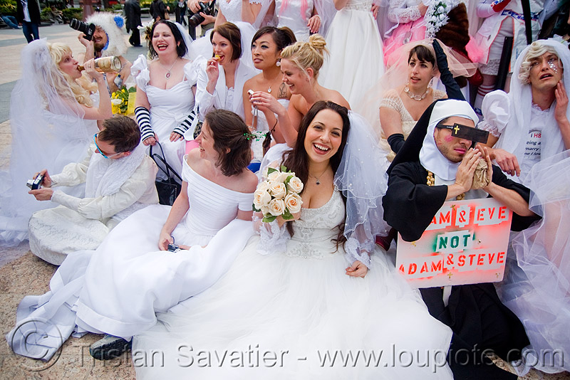 brides gathering - diana furka - brides of march (san francisco), bridal bouquet, brides of march, diana furka, festival, flowers, wedding dress, white roses, woman