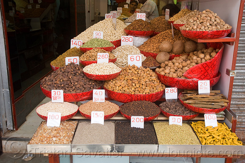 bulk nuts shop, cloves, delhi, dried fruits, food market, pepper, peppercorns, roots, stall, store, turmeric, turmeric roots
