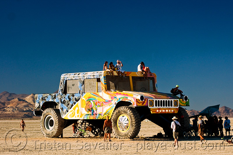 bummer the hummer - burning man 2008, hmmwv, humvee, people