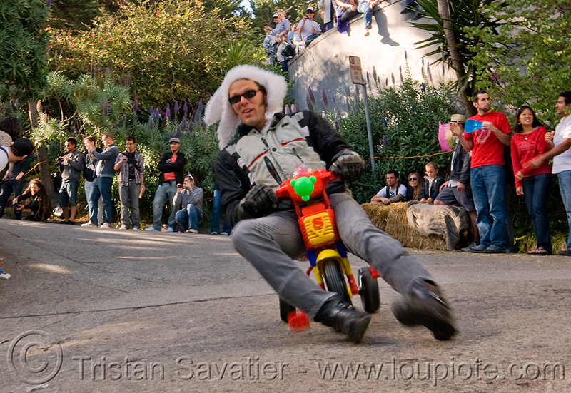 "BYOBW - ""bring your own big wheel"" race - toy tricycles (san francisco), drift trikes, fast, moving, moving fast, people, potrero hill, speed, speeding, toy tricycle, toy trike, trike-drifting"