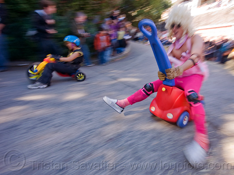 "BYOBW - ""bring your own big wheel"" race - toy tricycles (san francisco), byobw 2011, drift trikes, fast, moving, moving fast, people, potrero hill, speed, speeding, toy car, toy tricycle, toy trike, trike-drifting"