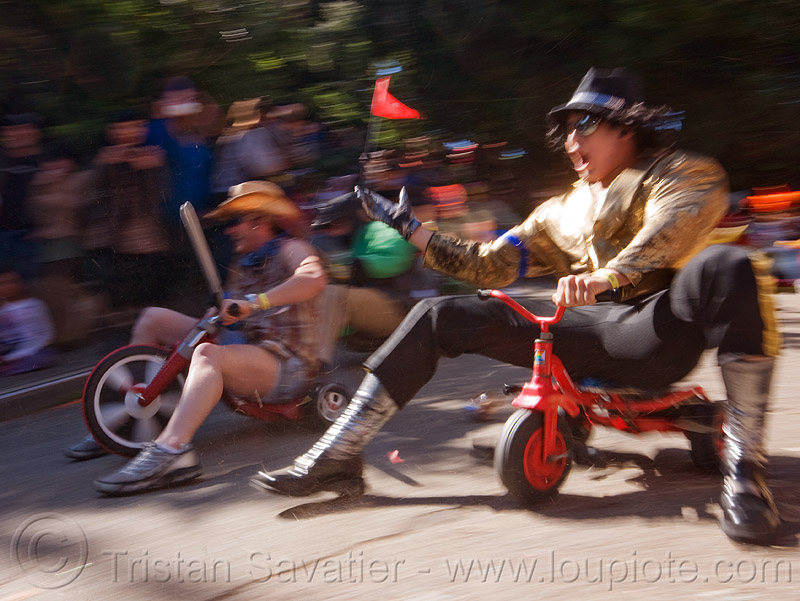 "BYOBW - ""bring your own big wheel"" race - toy tricycles (san francisco), byobw 2011, drift trikes, fast, moving, moving fast, people, potrero hill, speed, speeding, toy tricycle, toy trike, trike-drifting"