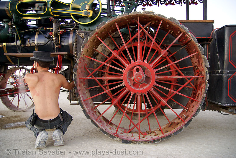 case traction engine hortense - burning man 2007, art car, burning man, case steam engine, kinetic steam works, ksw, spoked wheel, steam tractor, steampunk, zach, zachary