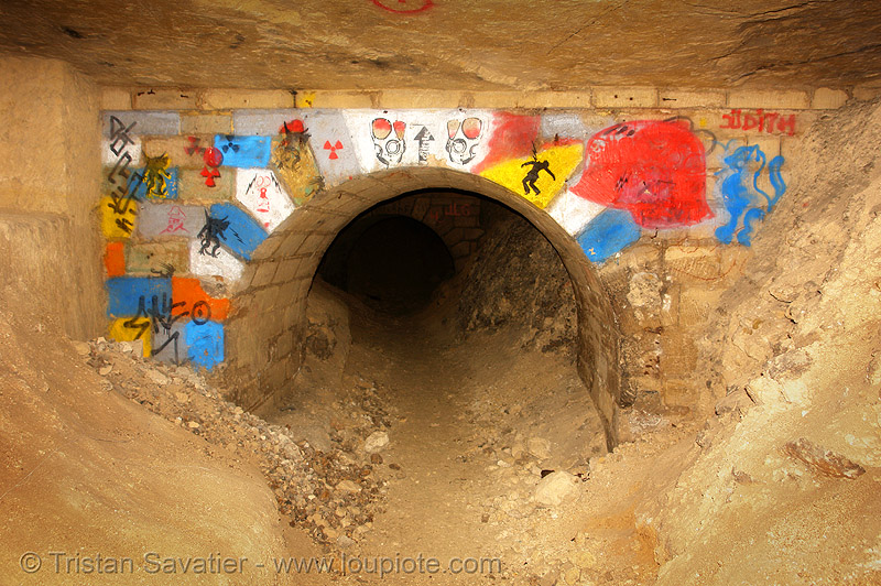 catacombes de paris - catacombs of paris (off-limit area), catacombs of paris, cave, graffiti, tags, trespassing, underground quarry, vault