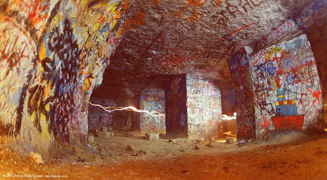 catacombes de paris - catacombs of paris (off-limit area) - la plage, cave, fisheye, graffiti, long exposure, trespassing, tunnel, underground quarry