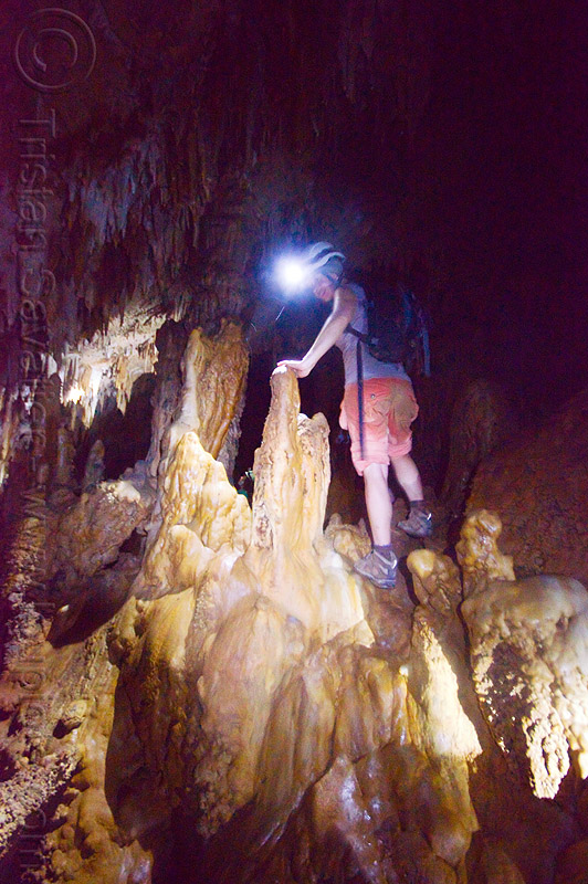 cave formations - caving in mulu (borneo), caver, clearwater cave, clearwater cave system, clearwater connection, concretions, gunung mulu, gunung mulu national park, natural cave, people, speleothems, spelunkers, spelunking