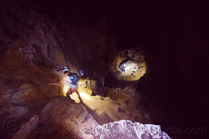 caving in mulu - clearwater cave (borneo), borneo, cavers, caving, clearwater cave system, clearwater connection, gunung mulu national park, knotted rope, malaysia, natural cave, roland, spelunkers, spelunking