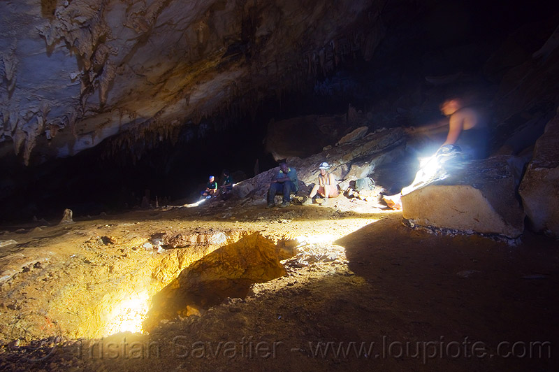 caving in mulu - clearwater cave (borneo), cavers, clearwater cave system, clearwater connection, gunung mulu, gunung mulu national park, natural cave, people, spelunkers, spelunking
