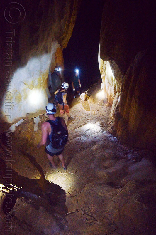 caving in mulu - clearwater cave - mulu (borneo), cavers, clearwater cave system, clearwater connection, gunung mulu, gunung mulu national park, knotted rope, natural cave, people, roland, spelunkers, spelunking