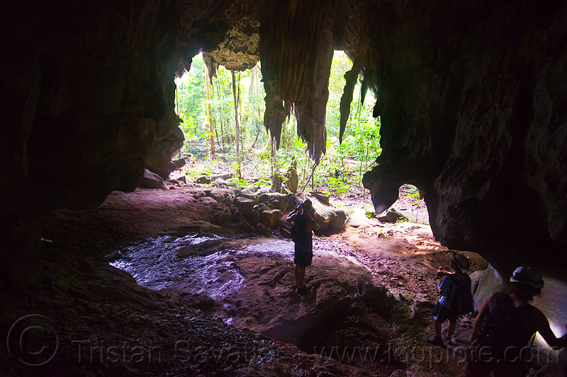 caving in mulu - racer cave (borneo), borneo, cave formations, cave mouth, cavers, caving, concretions, gunung mulu national park, malaysia, natural cave, racer cave, speleothems, spelunkers, spelunking, stalactites