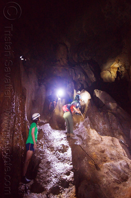 caving in mulu - racer cave (borneo), cavers, caving, gunung mulu national park, natural cave, racer cave, spelunkers, spelunking