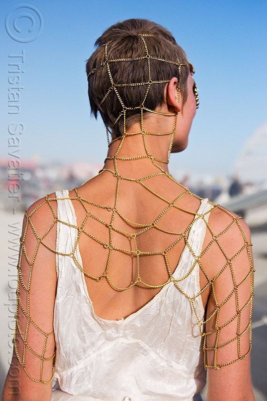 chain mesh jewelry, astrid, chain mesh, chains, fashion show, jewelry, woman