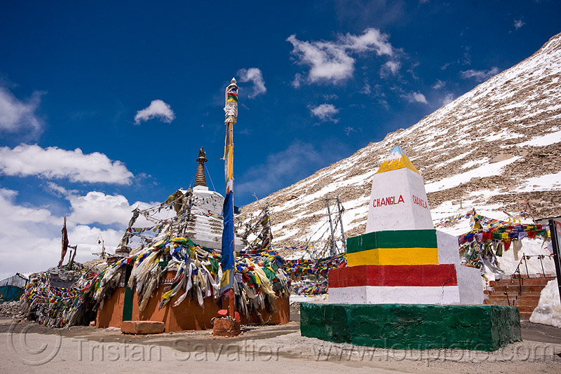 chang-la pass - ladakh (india), chang pass, chang-la pass, ladakh, mountain pass, mountains, road marker, snow patches