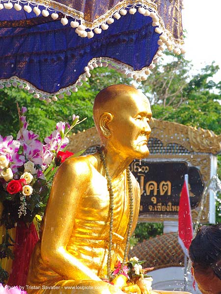เชียงใหม่ - chiang mai - สงกรานต์ - songkran festival (thai new year) - thailand, carnival float, gilded, golden color, sculpture, water festival, ประเทศไทย