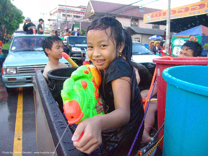 เชียงใหม่ - chiang mai - สงกรานต์ - songkran festival (thai new year) - thailand, buckets, children, kids, little girl, soaked, water festival, water gun, wet, ประเทศไทย