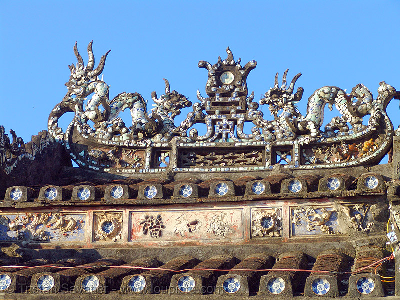 chinese roof decoration (hoi an) - vietnam, chinese, decoration, hoi an, hội an, roof