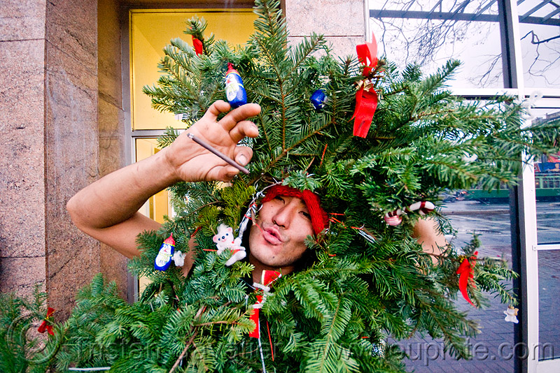 christmas tree costume, christmas tree, costume, green, man, santa claus, santacon, santarchy, santas, takamuro, the triple crown