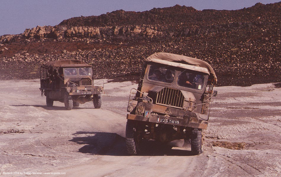 citroën 46 F 4x4 FOM - french army trucks in the desert (djibouti), 46f, all-terrain, army truck, citroen, citroen fom, citroën, citroën fom, legion, military, military truck
