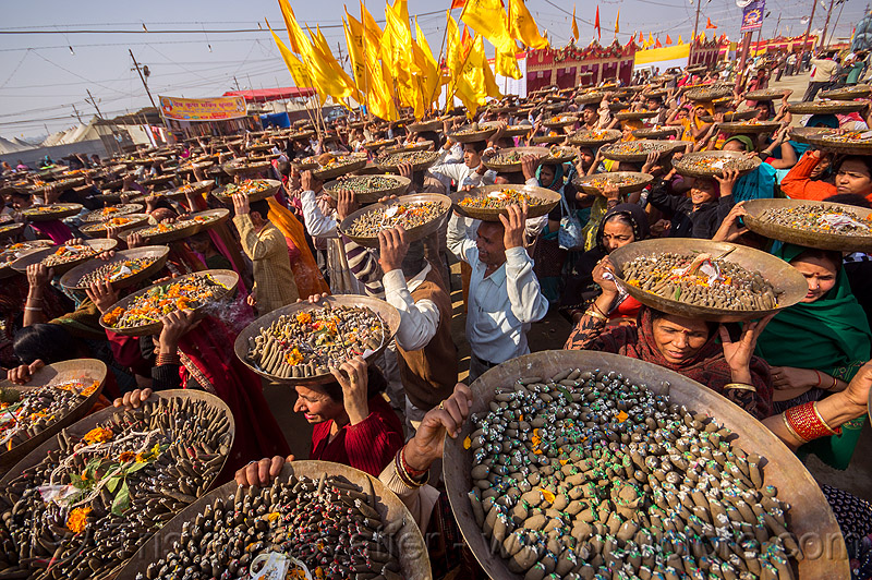 clay shiva lingam's offerings - procession - hindu ceremony - kumbh mela (india), carrying on the head, clay, crowd, hindu ceremony, hindu pilgrimage, hinduism, india, lingams, maha kumbh mela, offerings, shiva lingam, trays, walking, yellow flags