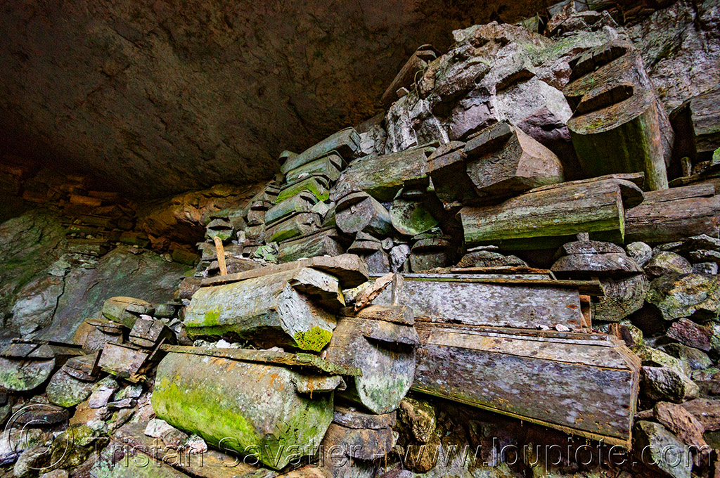 coffins in lumiang cave - sagada (philippines), burial cave, cemetery, coffins, grave, lumiang cave, natural cave, philippines, sagada, tomb