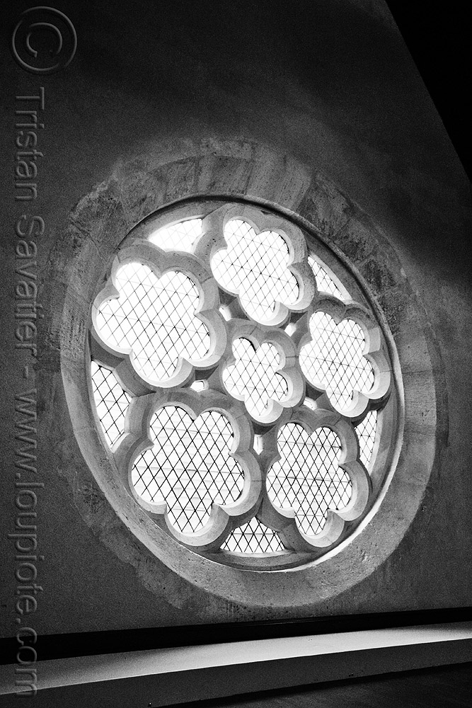collège des bernardins - gothic architecture - stone rose window - monastery (paris), architecture, cistercian, collège des bernardins, gothic, medieval, monastery, paris, rose window, stone vaults