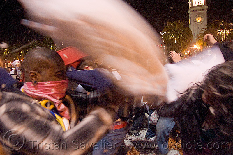 couple pillow-fighting - the great san francisco pillow fight 2009, down feathers, man, night, people, pillow fight club, pillows, world pillow fight day