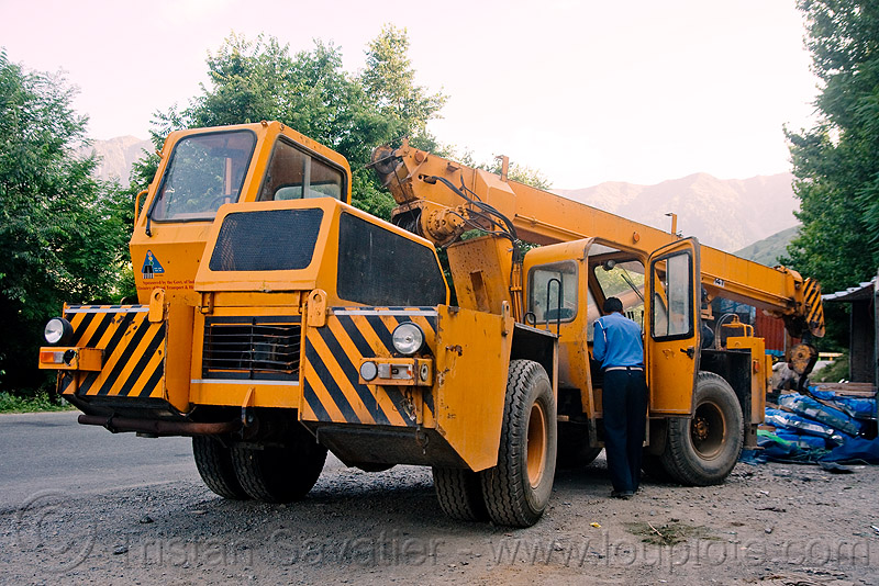 crane truck (india), crane truck, ecel, escorts mac-1214, india, kashmir, mobile crane, road, truck crane, yellow